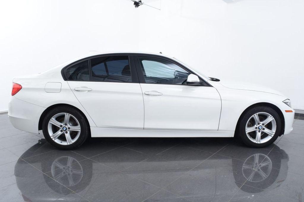 2015 BMW 3 Series 328i xDrive - 18403364 - 11