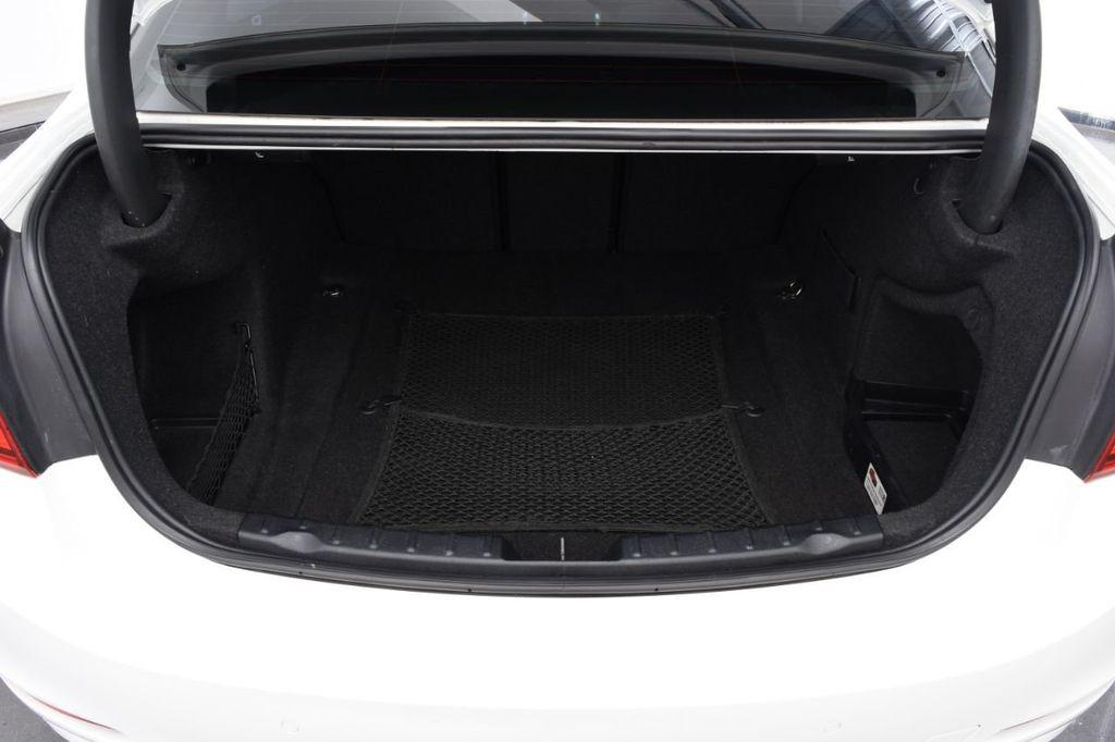 2015 BMW 3 Series 328i xDrive - 18403364 - 16