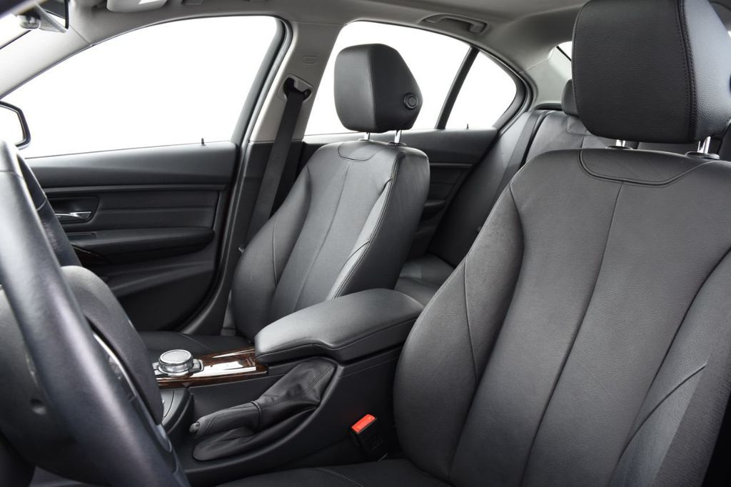 2015 BMW 3 Series 328i xDrive - 18403364 - 21