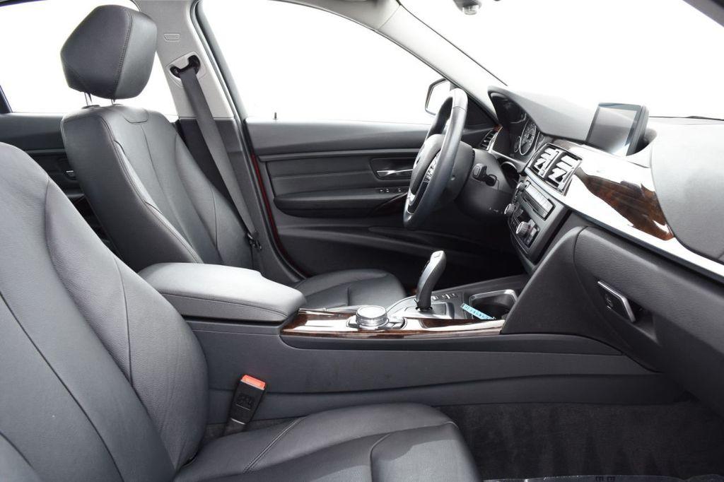 2015 BMW 3 Series 328i xDrive - 18403364 - 23