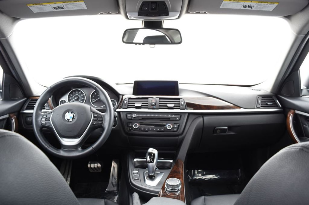 2015 BMW 3 Series 328i xDrive - 18403364 - 25