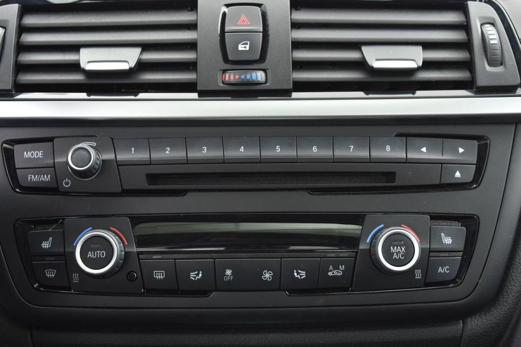 2015 BMW 3 Series 328i xDrive - 18403364 - 33