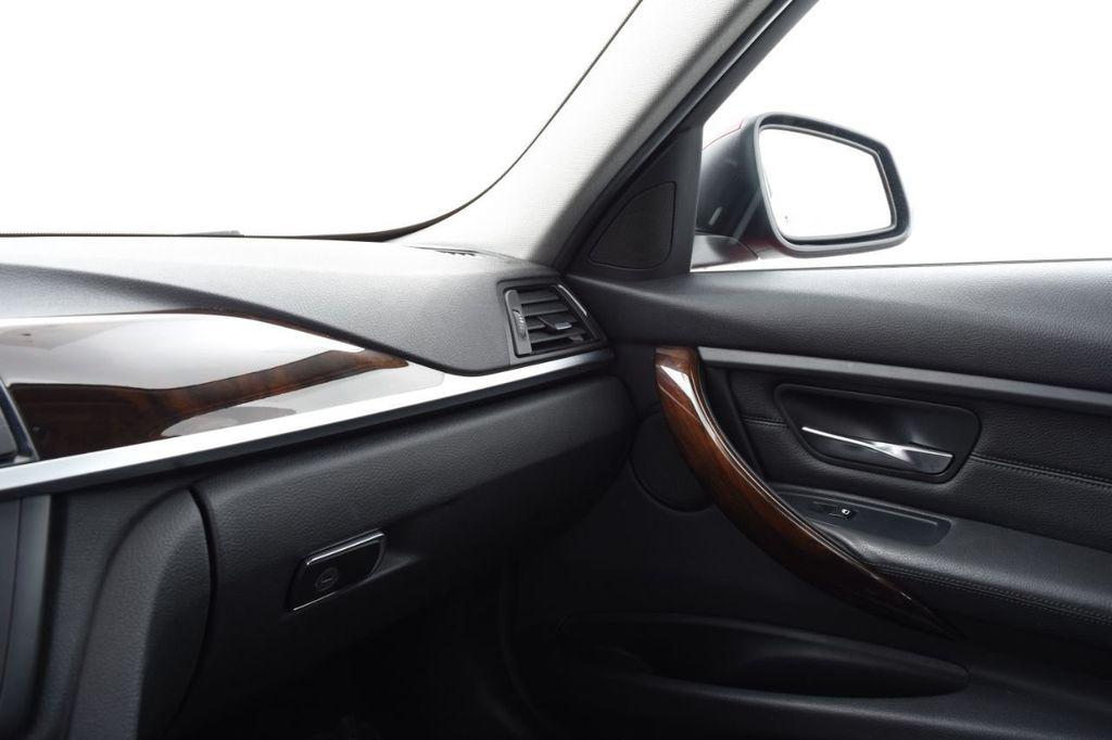 2015 BMW 3 Series 328i xDrive - 18403364 - 35