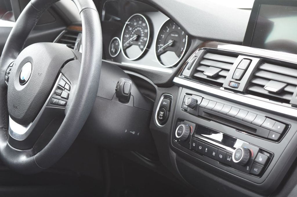 2015 BMW 3 Series 328i xDrive - 18403364 - 36