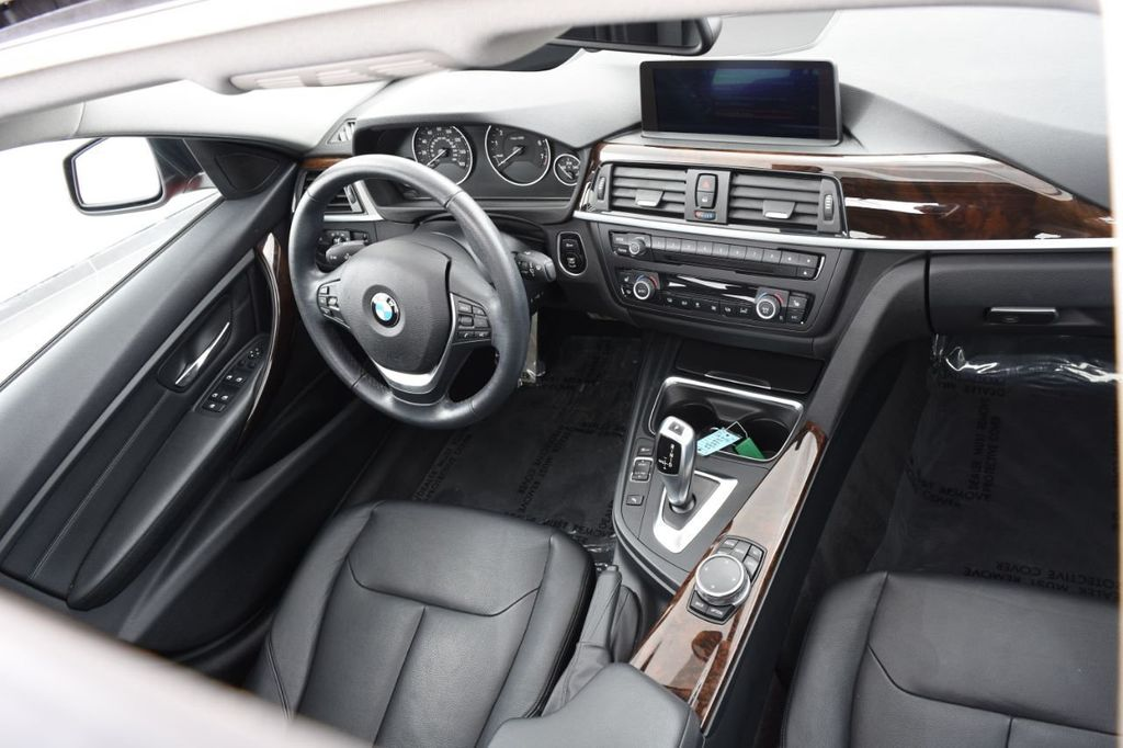 2015 BMW 3 Series 328i xDrive - 18403364 - 37