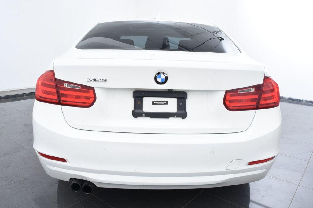 2015 BMW 3 Series 328i xDrive - 18403364 - 3