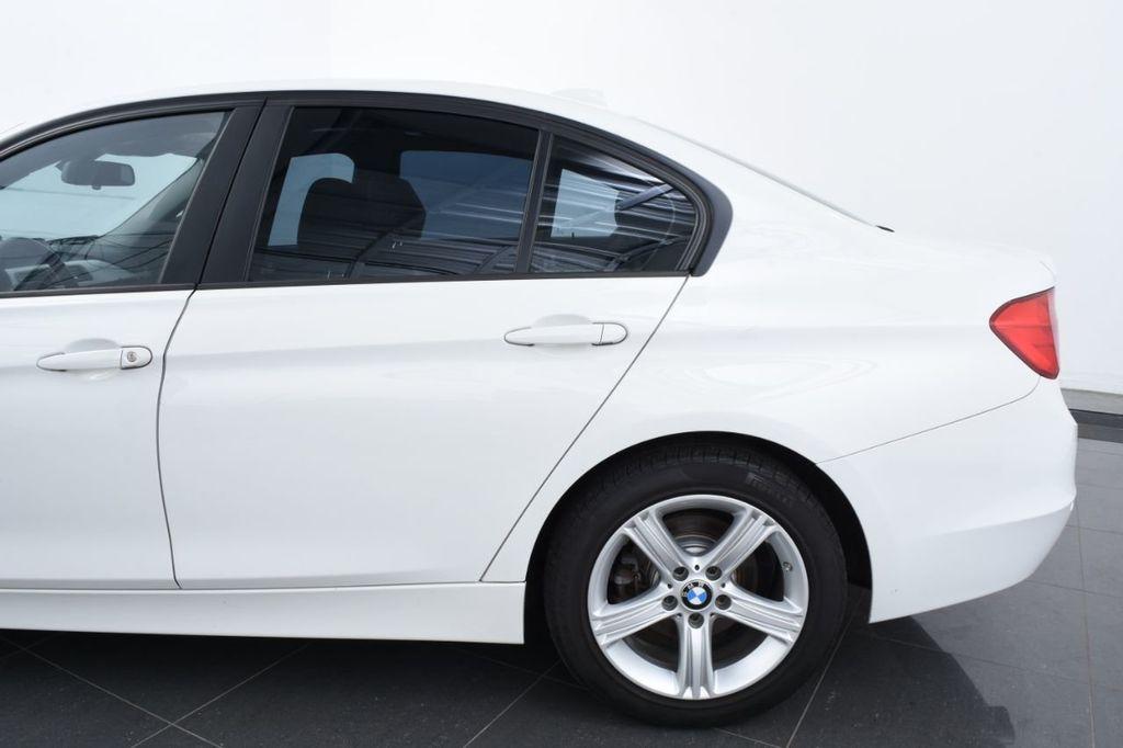 2015 BMW 3 Series 328i xDrive - 18403364 - 6