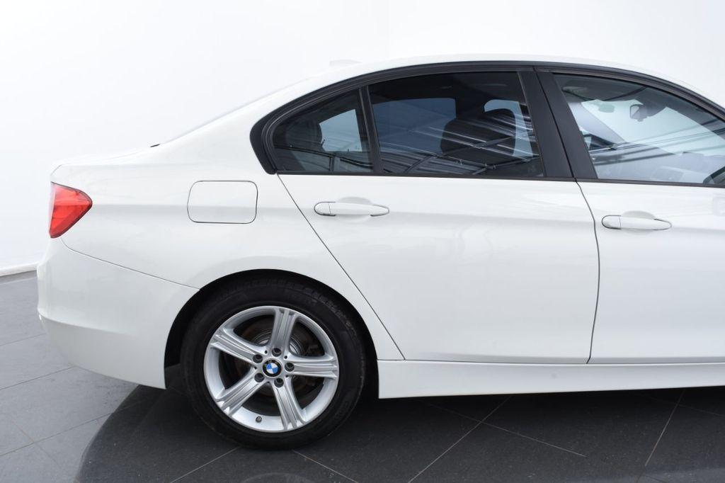 2015 BMW 3 Series 328i xDrive - 18403364 - 7