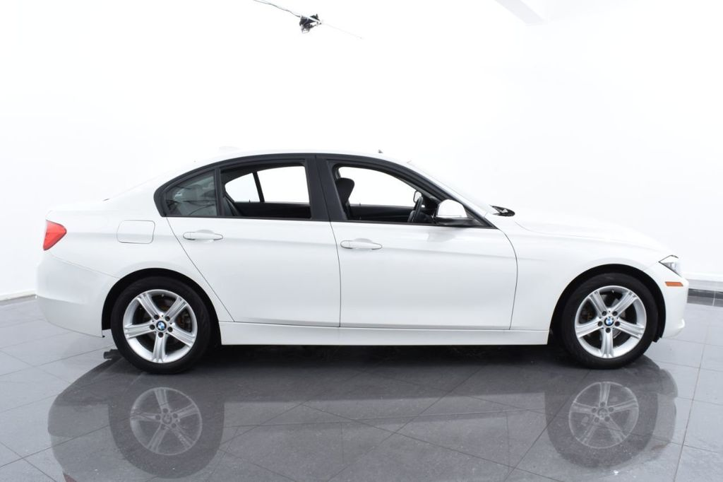 2015 BMW 3 Series 328i xDrive - 18468147 - 11