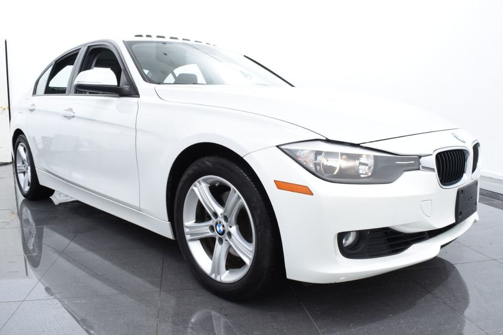2015 BMW 3 Series 328i xDrive - 18468147 - 1