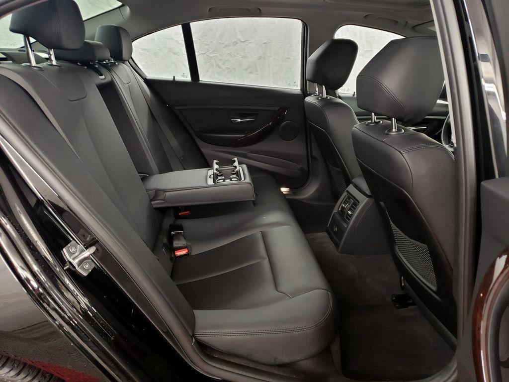 2015 BMW 3 Series 328i xDrive - 18253642 - 10