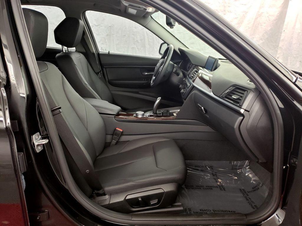 2015 BMW 3 Series 328i xDrive - 18253642 - 11