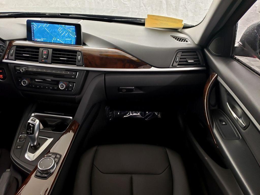 2015 BMW 3 Series 328i xDrive - 18253642 - 12