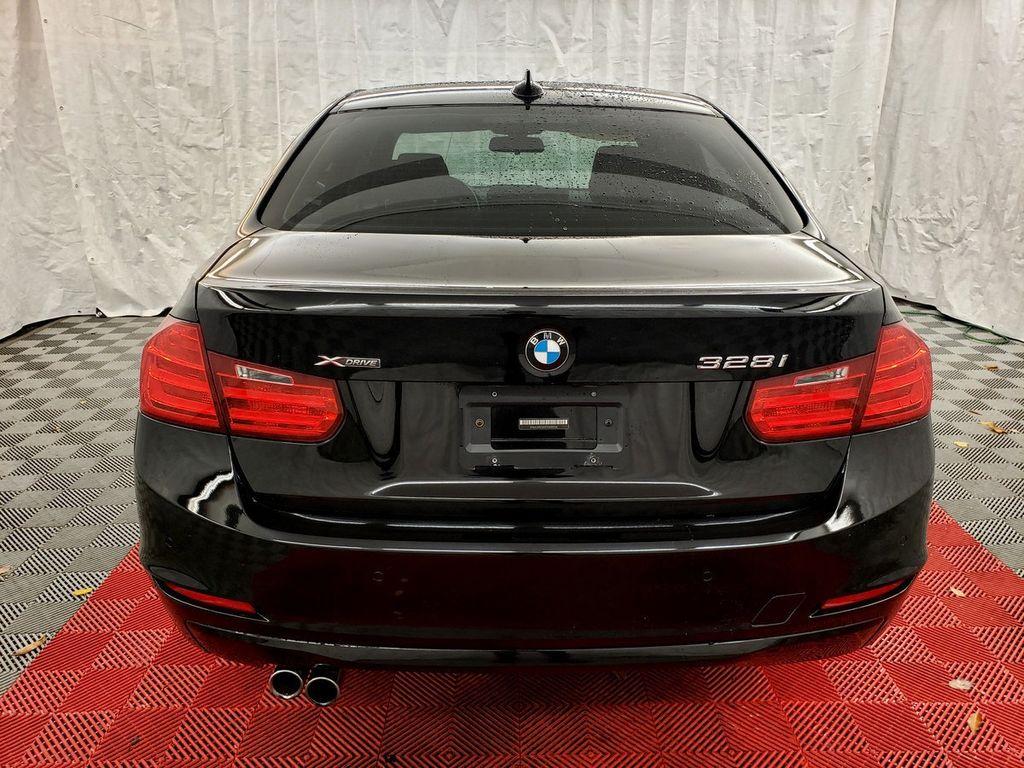 2015 BMW 3 Series 328i xDrive - 18253642 - 4