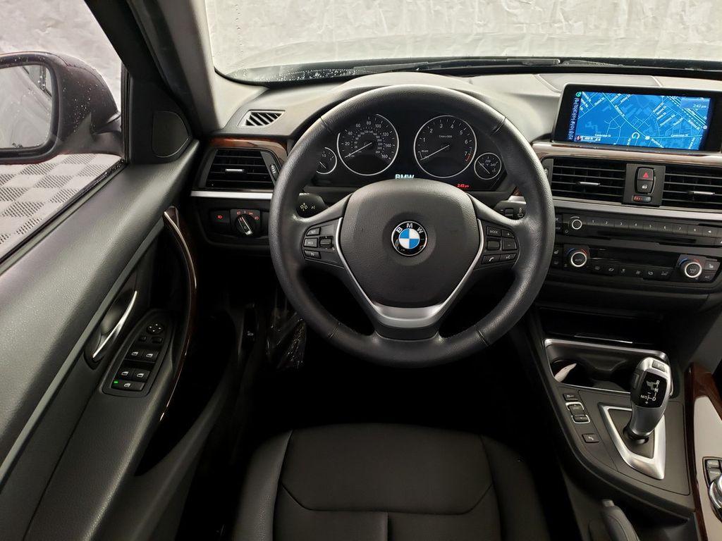 2015 BMW 3 Series 328i xDrive - 18253642 - 6