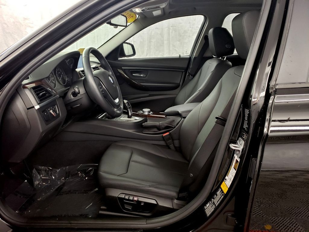 2015 BMW 3 Series 328i xDrive - 18253642 - 7