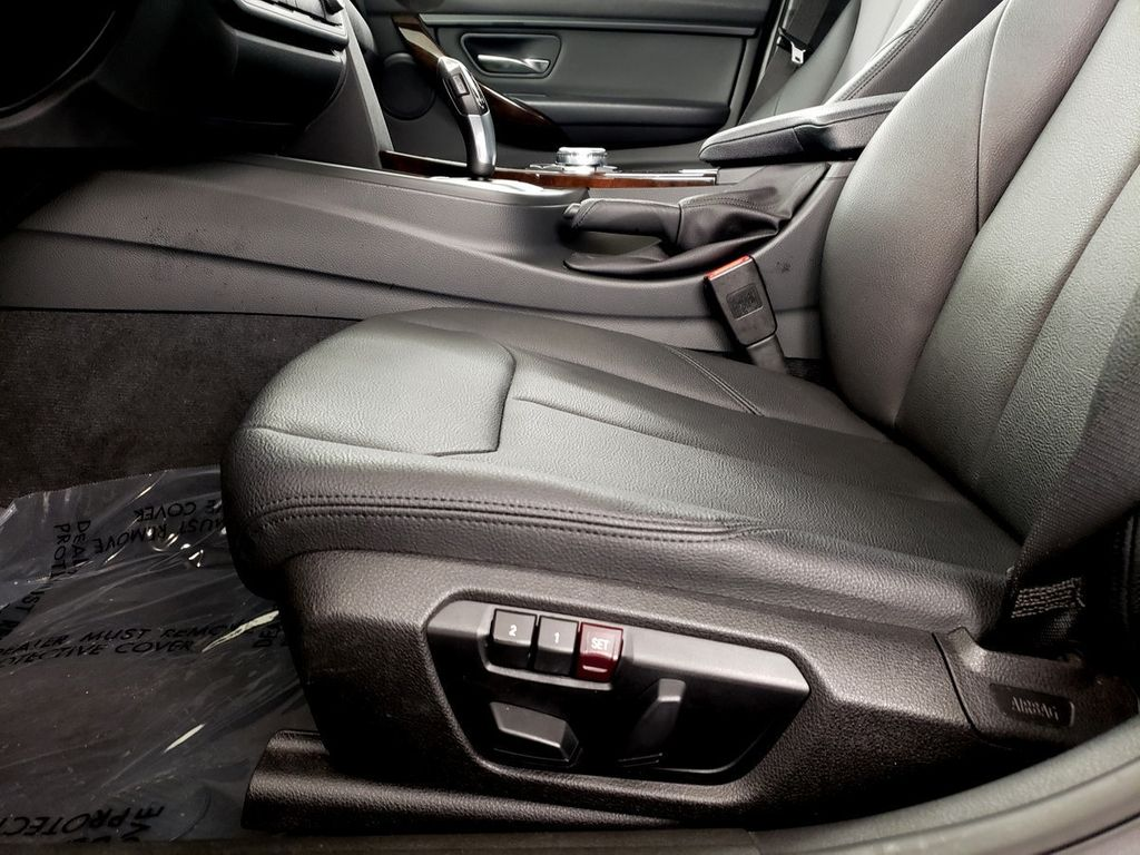 2015 BMW 3 Series 328i xDrive - 18253642 - 8