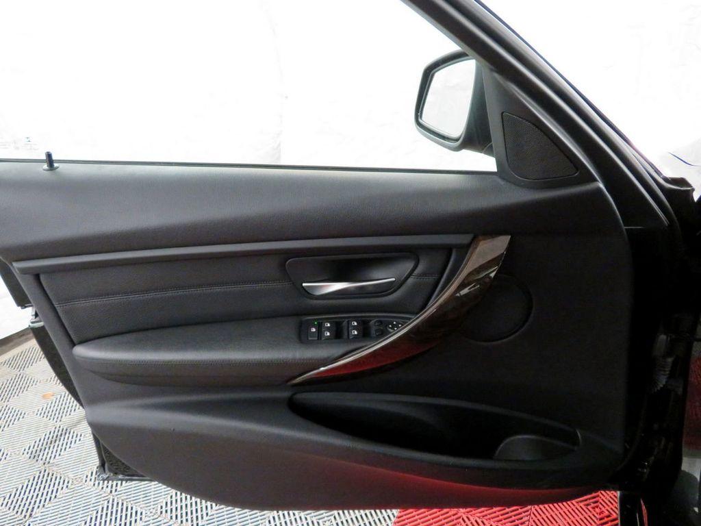 2015 BMW 3 Series 328i xDrive - 18382554 - 13