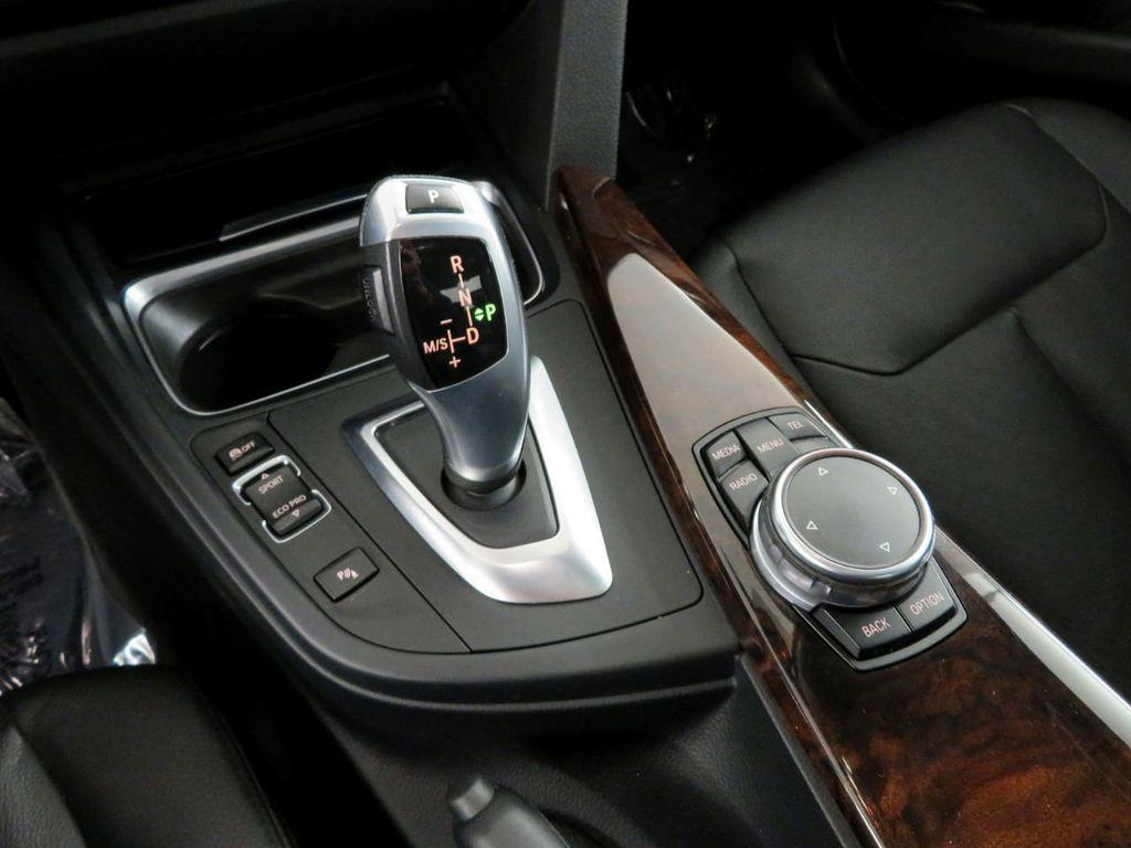 2015 BMW 3 Series 328i xDrive - 18382554 - 27