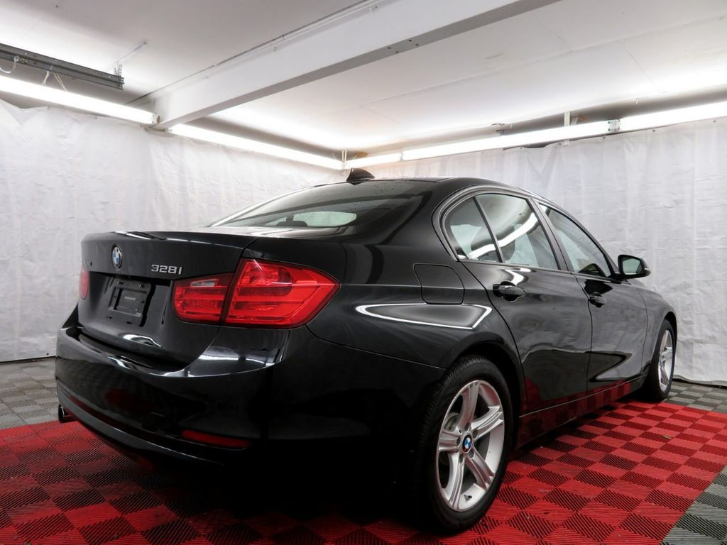 2015 BMW 3 Series 328i xDrive - 18382554 - 5