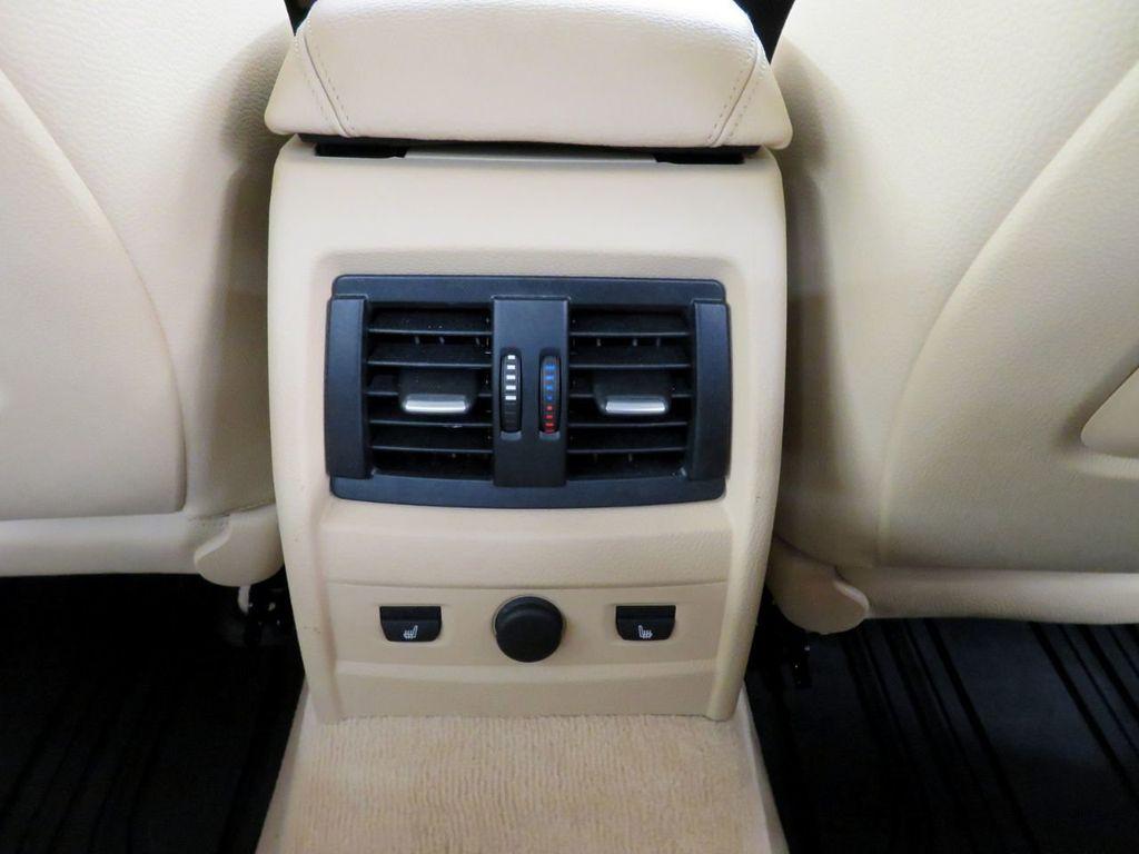 2015 BMW 3 Series 328i xDrive - 18477877 - 28