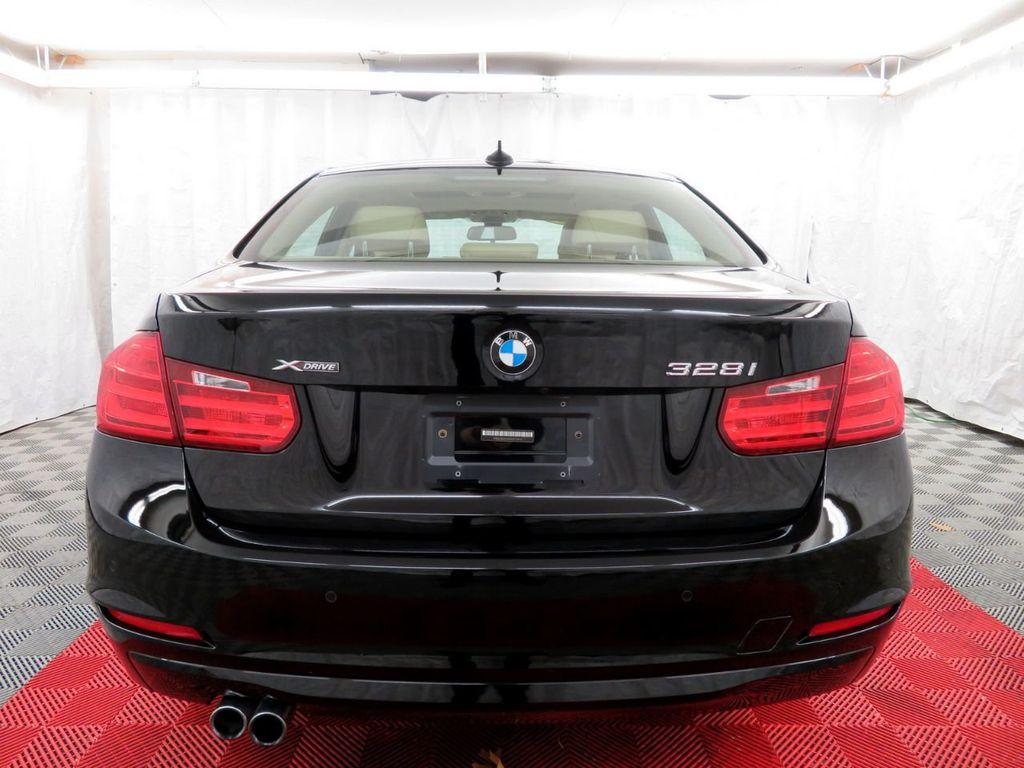 2015 BMW 3 Series 328i xDrive - 18477877 - 4
