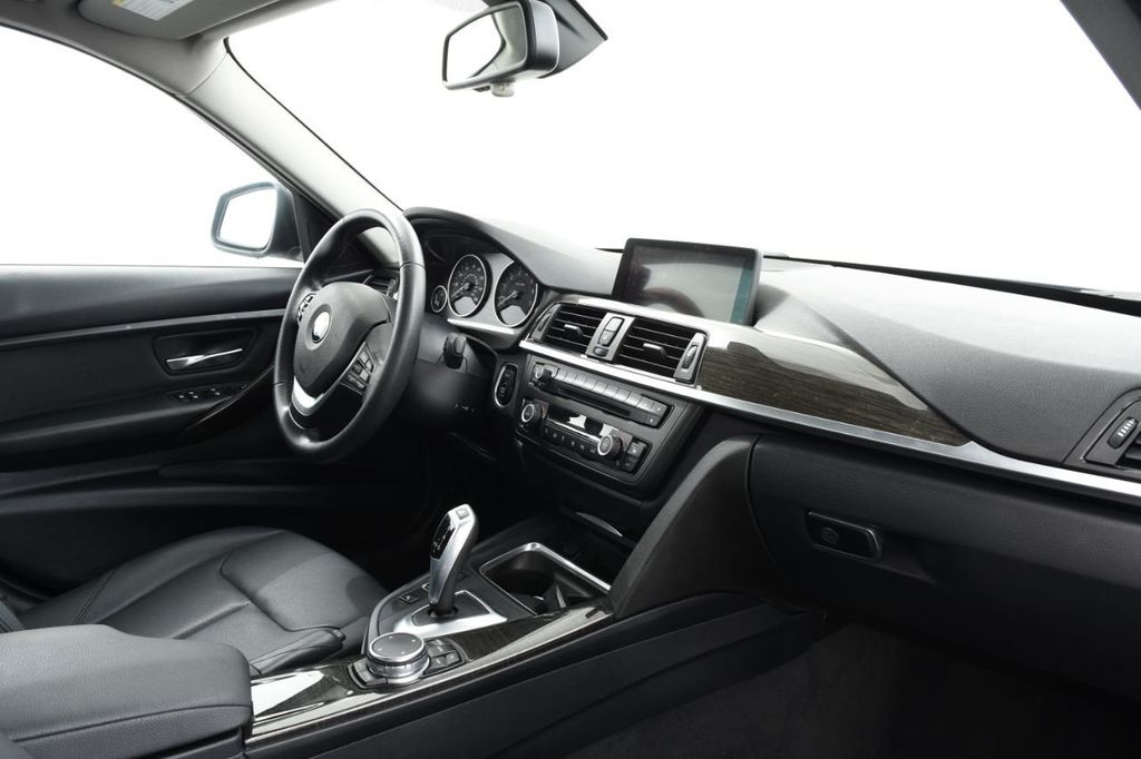 2015 BMW 3 Series  *SPECIAL EDITION - 18398500 - 24