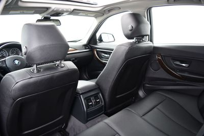 2015 BMW 3 Series SPECIAL EDITION - Click to see full-size photo viewer
