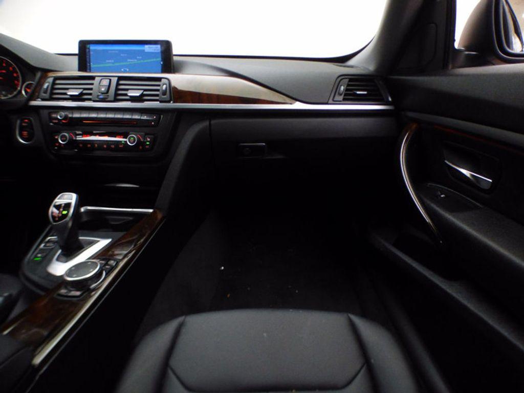 2015 BMW 3 Series Gran Turismo 328i xDrive Gran Turismo - 16657098 - 27