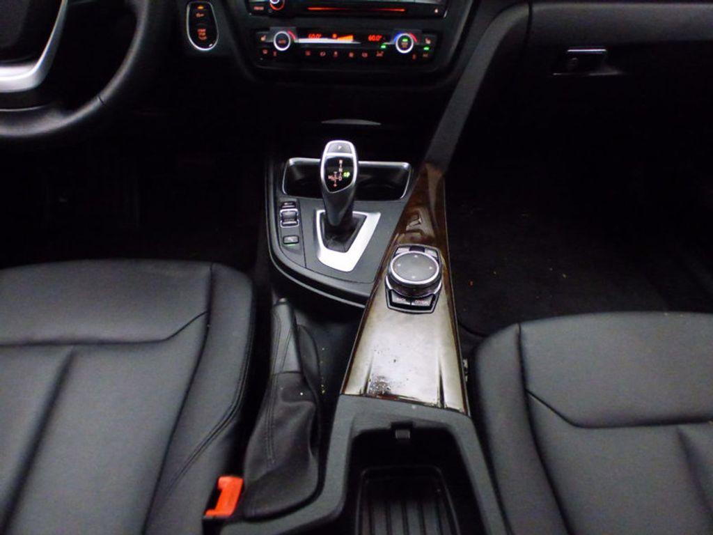 2015 BMW 3 Series Gran Turismo 328i xDrive Gran Turismo - 16657098 - 31
