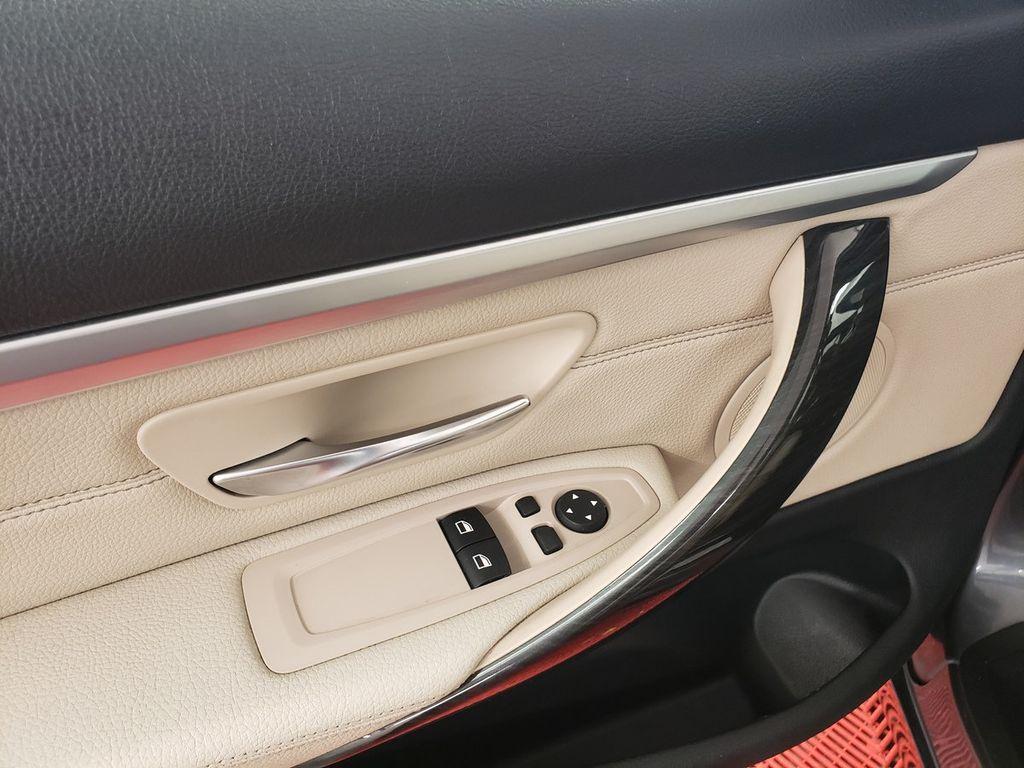 2015 BMW 4 Series 428i xDrive - 18253647 - 16