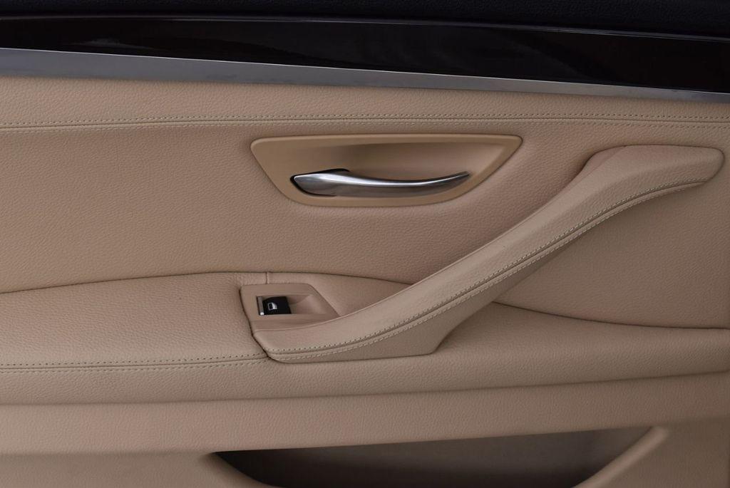 2015 BMW 5 Series 528i - 18592359 - 11