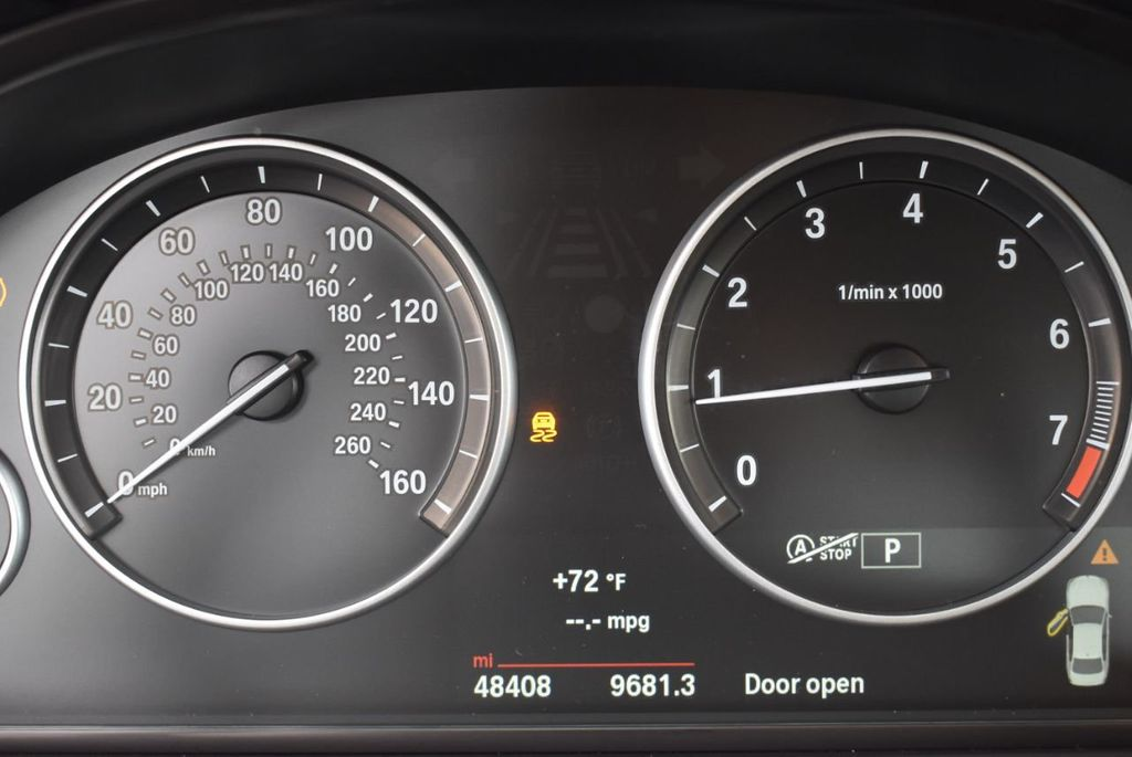 2015 BMW 5 Series 528i - 18592359 - 14