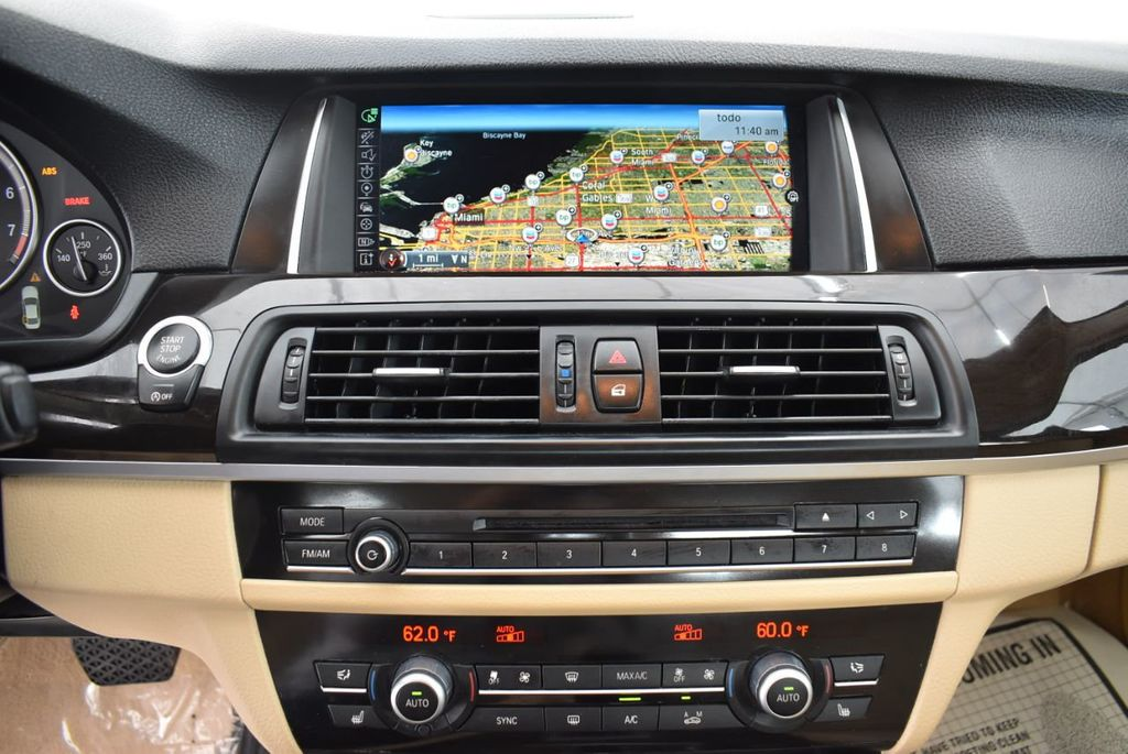 2015 BMW 5 Series 528i - 18592359 - 19