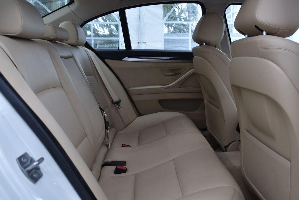 2015 BMW 5 Series 528i - 18592359 - 21