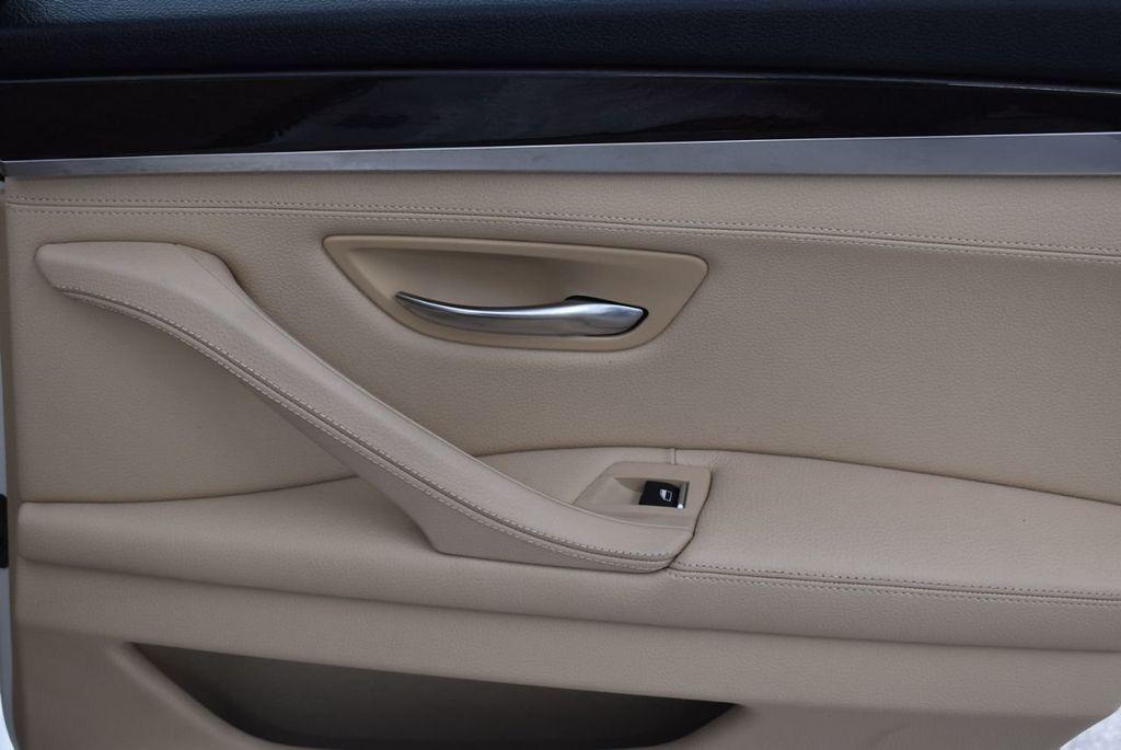 2015 BMW 5 Series 528i - 18592359 - 22