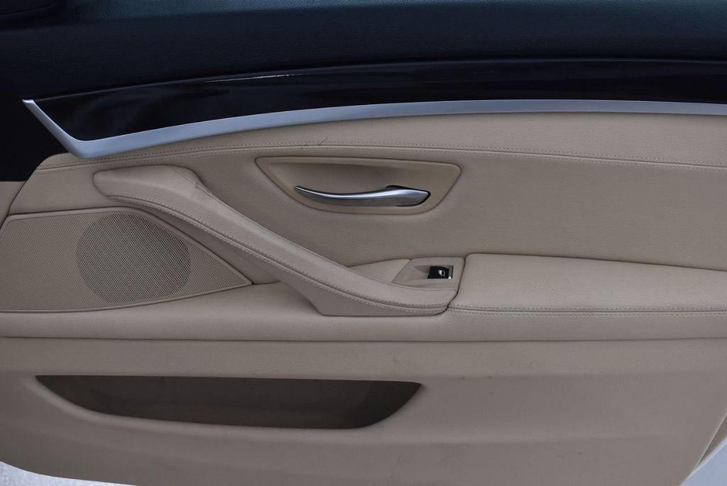 2015 BMW 5 Series 528i - 18592359 - 23