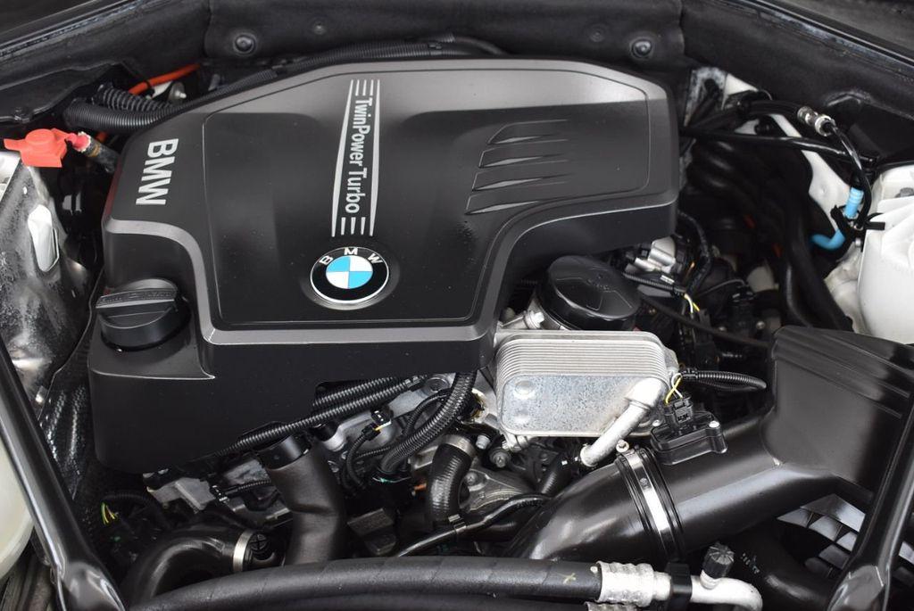 2015 BMW 5 Series 528i - 18592359 - 25