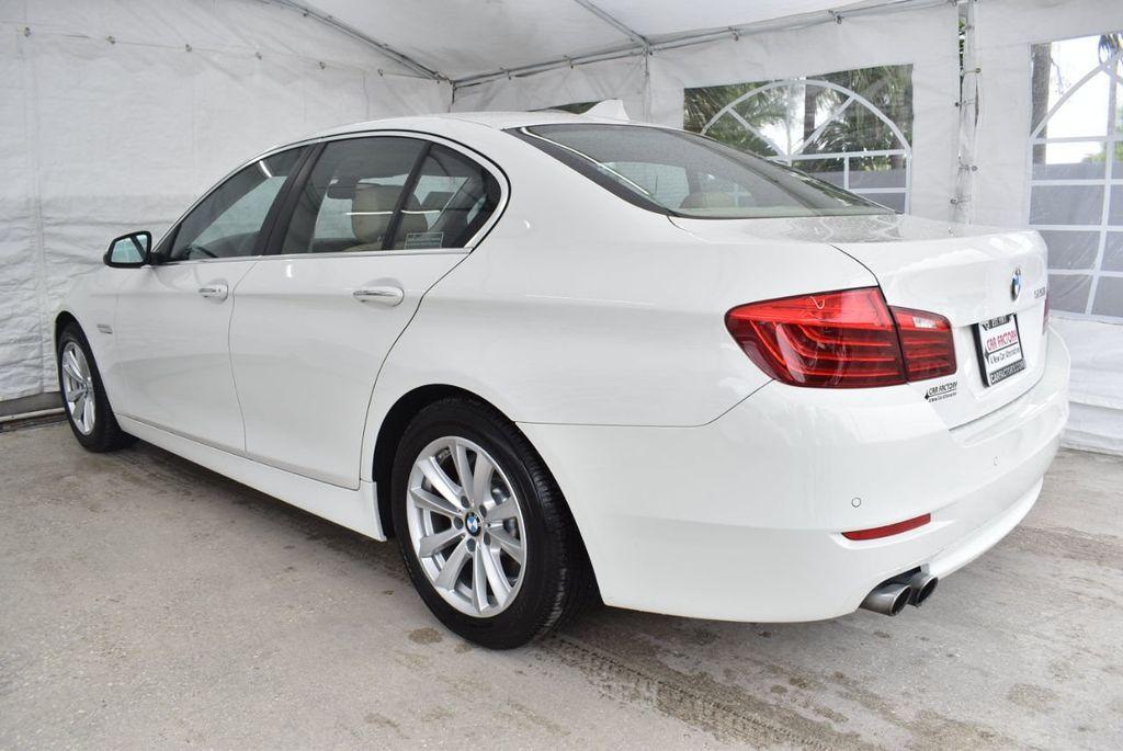 2015 BMW 5 Series 528i - 18592359 - 3