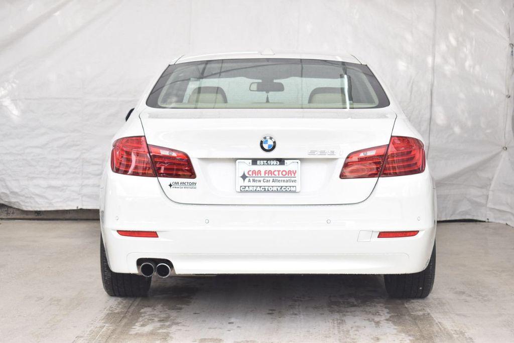 2015 BMW 5 Series 528i - 18592359 - 5