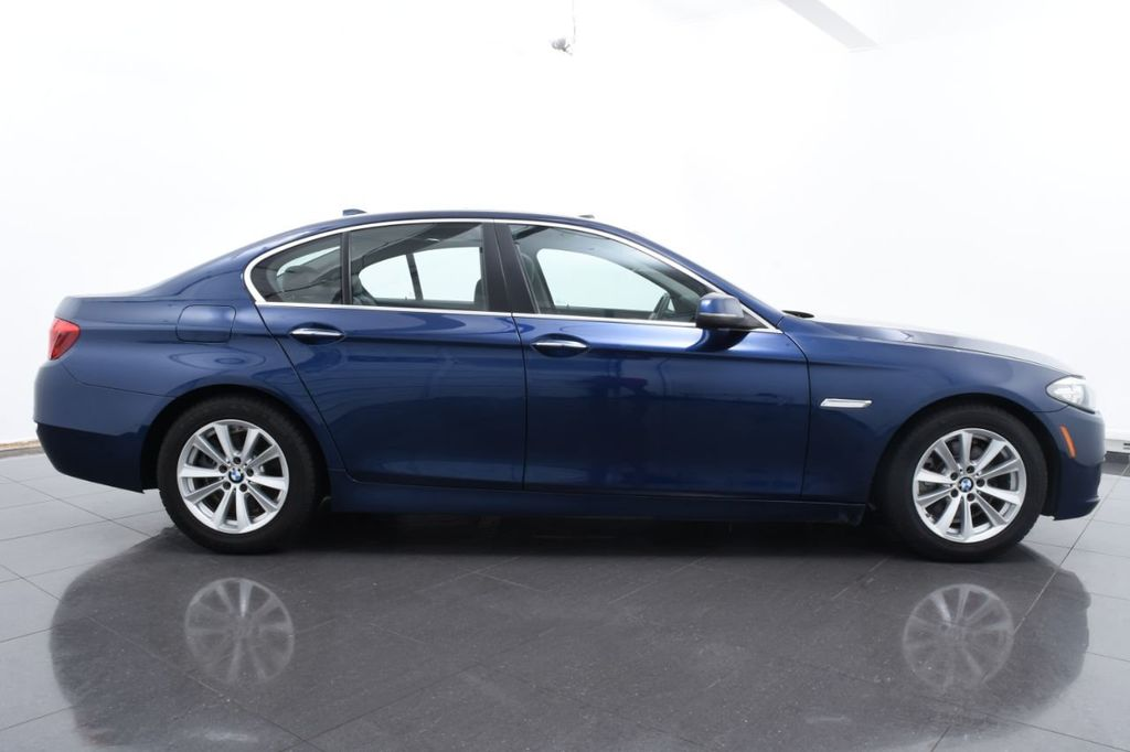 2015 BMW 5 Series 528i xDrive - 18326699 - 11
