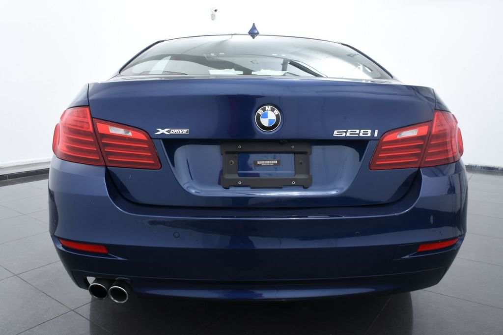 2015 BMW 5 Series 528i xDrive - 18326699 - 3