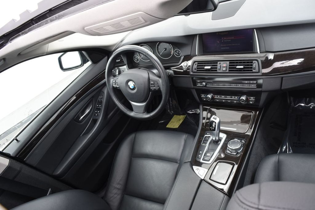 2015 BMW 5 Series 528i xDrive - 18326699 - 41