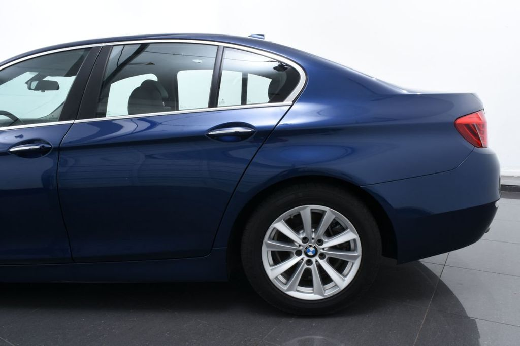 2015 BMW 5 Series 528i xDrive - 18326699 - 6