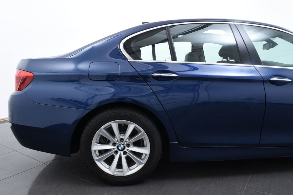 2015 BMW 5 Series 528i xDrive - 18326699 - 7