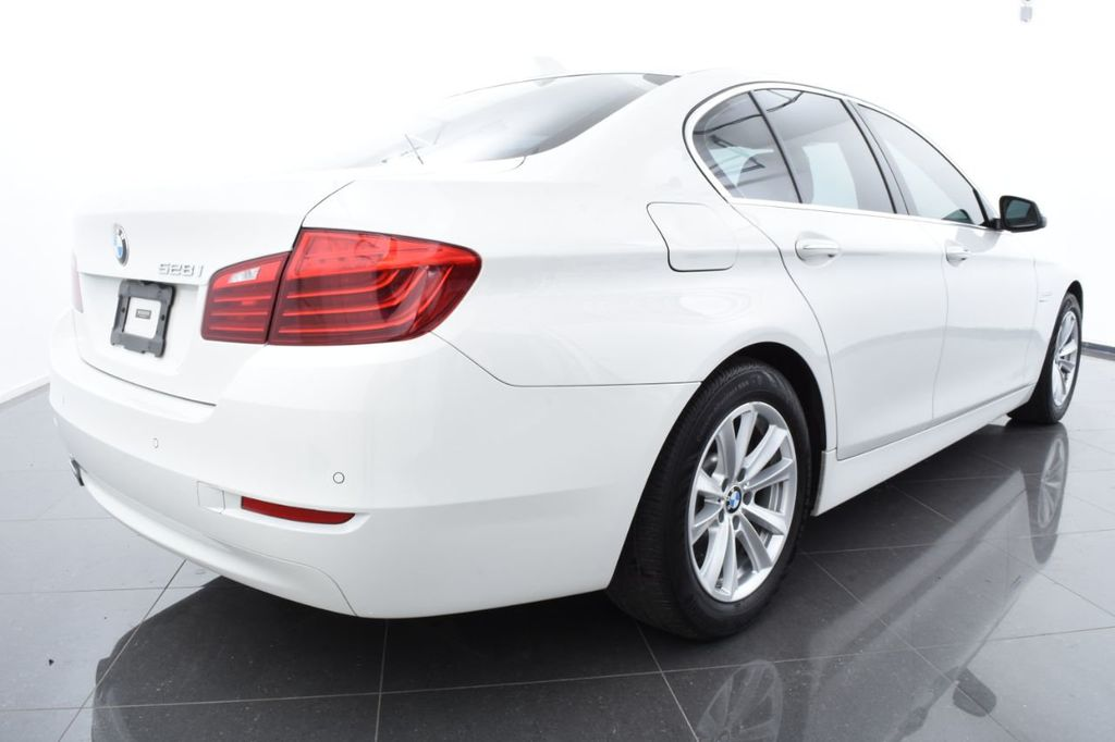 2015 BMW 5 Series 528i xDrive - 18401740 - 9