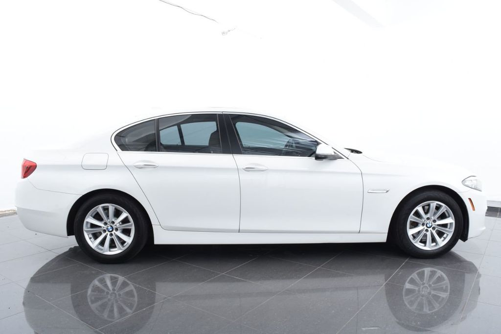 2015 BMW 5 Series 528i xDrive - 18401740 - 11