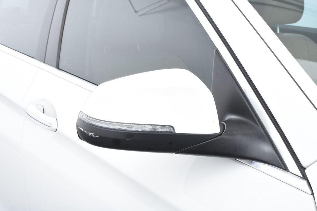 2015 BMW 5 Series 528i xDrive - 18401740 - 14