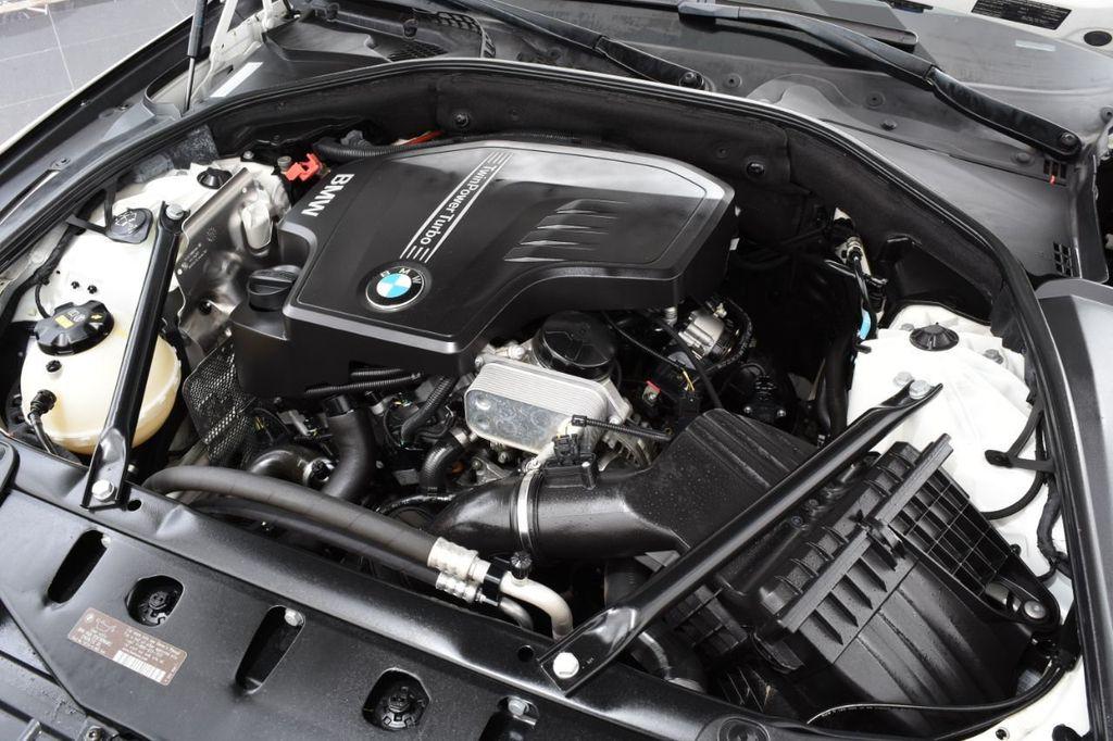 2015 BMW 5 Series 528i xDrive - 18401740 - 22