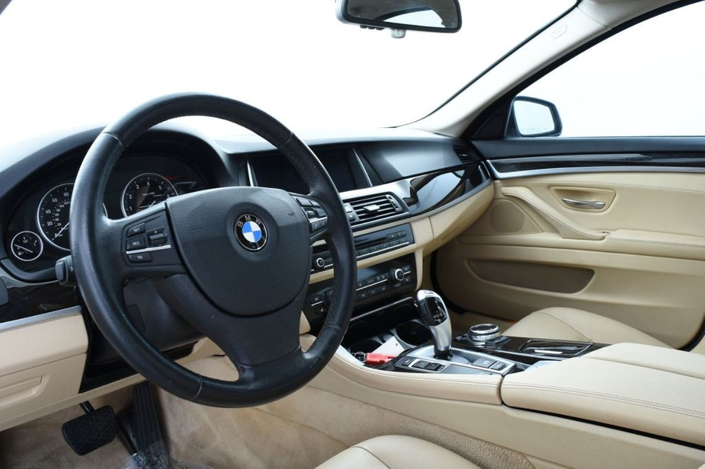 2015 BMW 5 Series 528i xDrive - 18401740 - 23